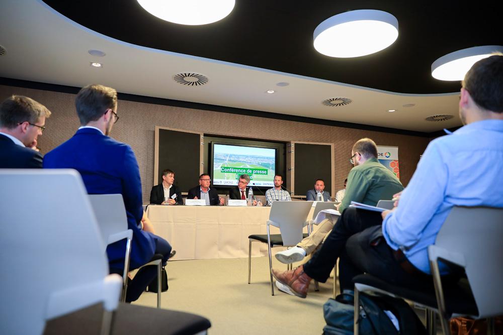 De nombreux acteurs et experts sont impliqués dans l'E-cloud